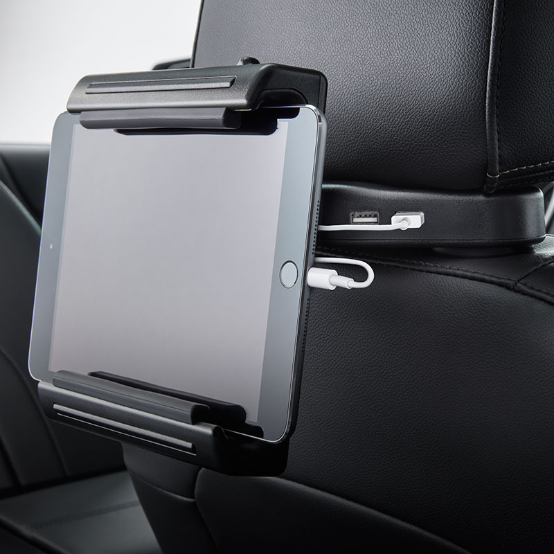 2019 Blazer Universal Tablet Holder, Integrated Power